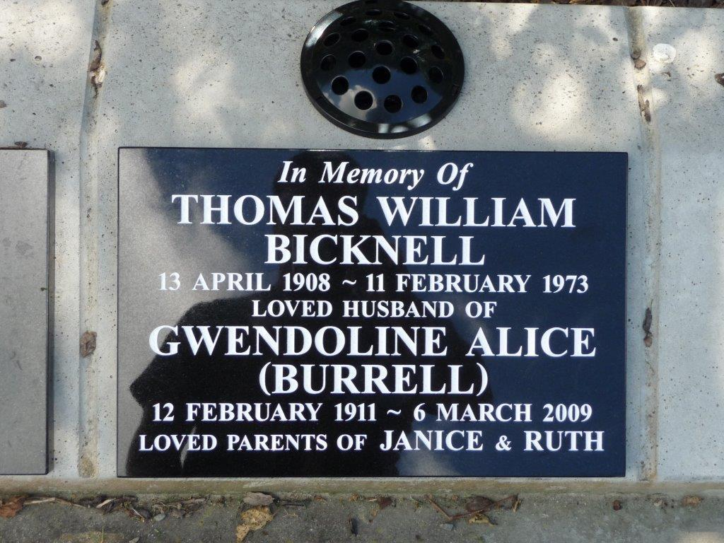Bicknell lawn plaque