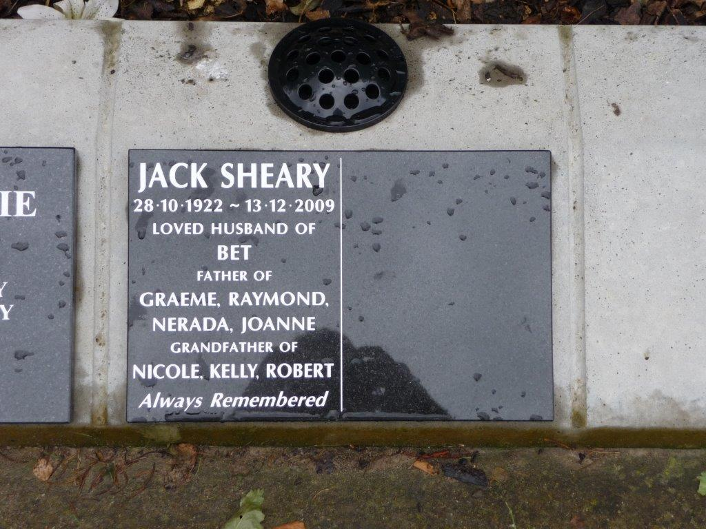 Sheary lawn plaque